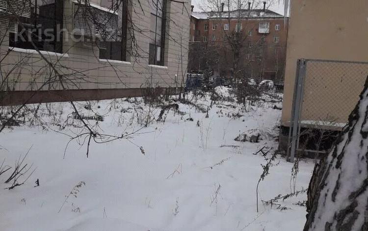 Участок 4.5 соток, Пр.Абая за 18.5 млн 〒 в Усть-Каменогорске