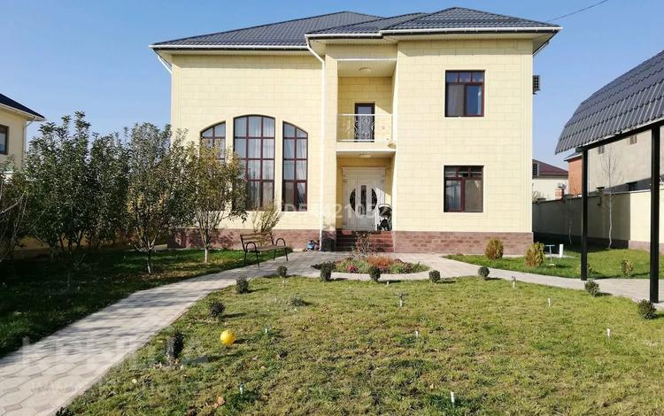 6-комнатный дом, 300 м², 12 сот., Абзал 3928 за 100 млн 〒 в Шымкенте, Енбекшинский р-н