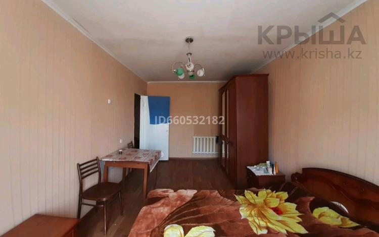 4-комнатная квартира, 76 м², 5/5 этаж, мкр Майкудук, Восток-1 за 14.3 млн 〒 в Караганде, Октябрьский р-н