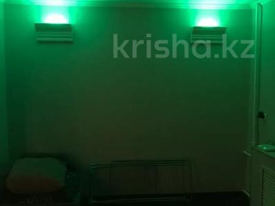 1-комнатная квартира, 31 м², 1/5 этаж, Лободы 33 за 7.5 млн 〒 в Караганде, Казыбек би р-н — фото 3
