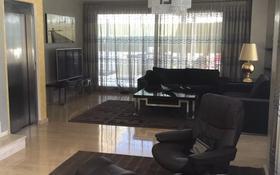 7-комнатный дом, 400 м², 8 сот., C/ Isla Gran Canaria 33 за 450 млн 〒 в Аликанте