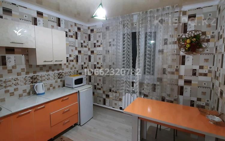 1-комнатная квартира, 40 м², 1/2 этаж посуточно, Алдабергенова 71 — Гаухар ана за 5 000 〒 в Талдыкоргане