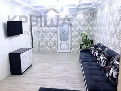 2-комнатная квартира, 60 м², 3/5 этаж посуточно, проспект Республики 1 — Момышулы за 13 000 〒 в Шымкенте