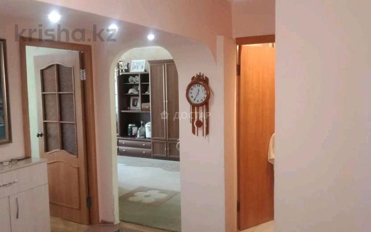 5-комнатная квартира, 82 м², 2/5 этаж, 5мкр за 18.5 млн 〒 в Талдыкоргане