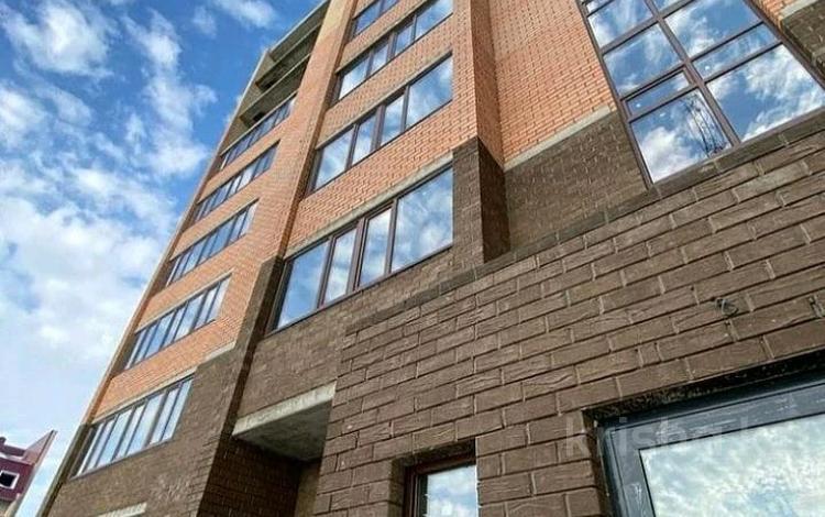 2-комнатная квартира, 85.5 м², 7/10 этаж, мкр. Батыс-2, Молдогулова 68 за ~ 19.7 млн 〒 в Актобе, мкр. Батыс-2