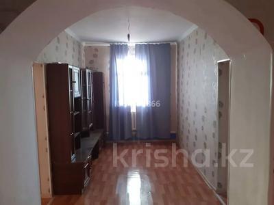 4-комнатный дом помесячно, 120 м², Арай2 12коше 33 за 50 000 〒 в Жанаозен — фото 2