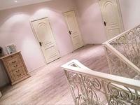 8-комнатный дом помесячно, 365 м², 10 сот.