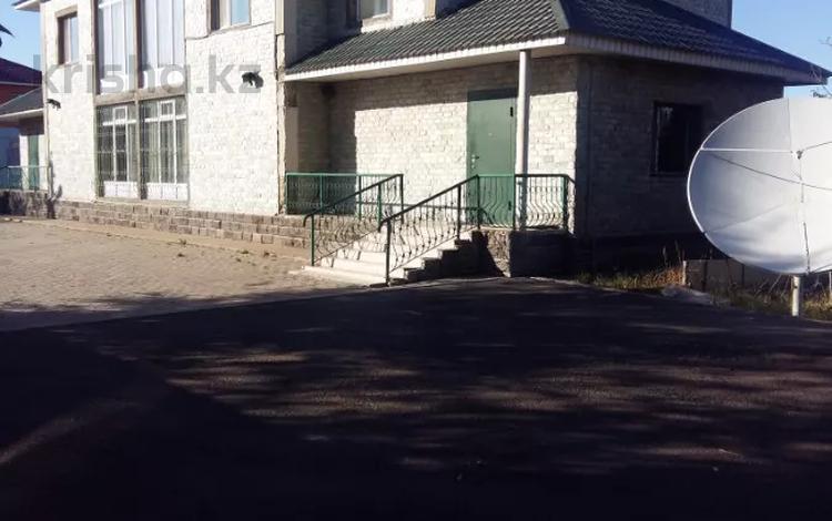 5-комнатный дом, 225 м², 20 сот., 150 лет Абая 3 за 60 млн 〒 в Нур-Султане (Астана)