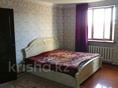 6-комнатный дом, 300 м², 16 сот., Мкр. Самал2 22 за 65 млн 〒 в Шымкенте — фото 12