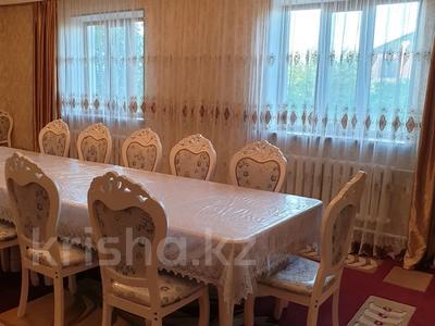 6-комнатный дом, 300 м², 16 сот., Мкр. Самал2 22 за 65 млн 〒 в Шымкенте — фото 2