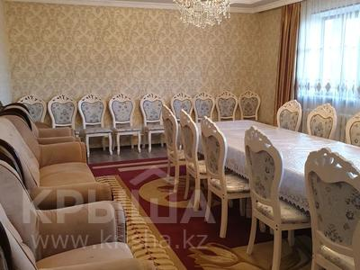 6-комнатный дом, 300 м², 16 сот., Мкр. Самал2 22 за 65 млн 〒 в Шымкенте — фото 3