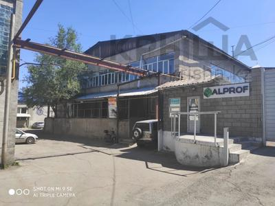 Здание, площадью 2570.7 м², Суюнбая 89 за 280 млн 〒 в Алматы, Жетысуский р-н