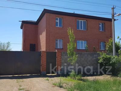 10-комнатный дом, 380 м², 10 сот., Таразы Каленкызы 32 за 32 млн 〒 в Заречном