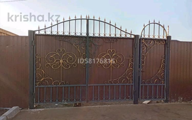 4-комнатный дом, 120 м², 8 сот., улица Абулхаир хана 14 а — Набережная за 8 млн 〒 в Чапаеве