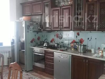 7-комнатный дом, 300 м², 8 сот., Мкр Алатау за 95 млн 〒 в Алматы, Бостандыкский р-н