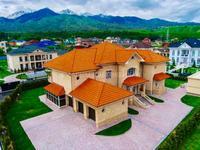 8-комнатный дом, 1100 м²