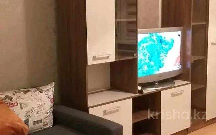 1-комнатная квартира, 35 м², 2/13 этаж посуточно, Казыбек би — Шагабудинова за 8 000 〒 в Алматы, Алмалинский р-н