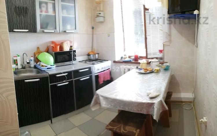 3-комнатная квартира, 48 м², 1/2 этаж, Чагано-Набережная улица за ~ 8.3 млн 〒 в Уральске