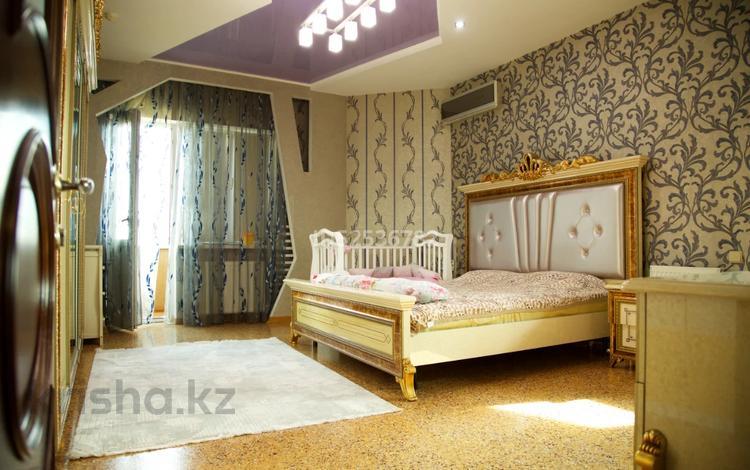 5-комнатная квартира, 220 м², 12/18 этаж, Курмангазы 145 — Муканова за 95 млн 〒 в Алматы, Алмалинский р-н