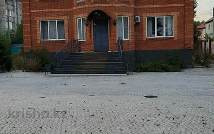 Здание, площадью 444 м², улица Байбатчина за 60 млн 〒 в Усть-Каменогорске