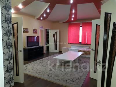 7-комнатный дом, 350 м², 10 сот., Мкр Оазис за 58 млн 〒 в Караганде, Казыбек би р-н — фото 12