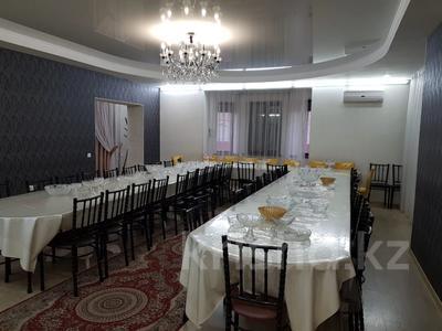 7-комнатный дом, 350 м², 10 сот., Мкр Оазис за 58 млн 〒 в Караганде, Казыбек би р-н — фото 9