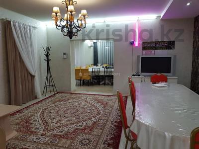 7-комнатный дом, 350 м², 10 сот., Мкр Оазис за 58 млн 〒 в Караганде, Казыбек би р-н — фото 8