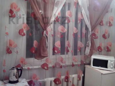 1-комнатная квартира, 45 м², 3/5 этаж посуточно, Райымбека 206/7 за 8 000 〒 в Алматы, Жетысуский р-н — фото 2