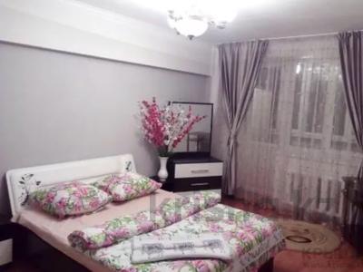 1-комнатная квартира, 45 м², 3/5 этаж посуточно, Райымбека 206/7 за 8 000 〒 в Алматы, Жетысуский р-н — фото 3
