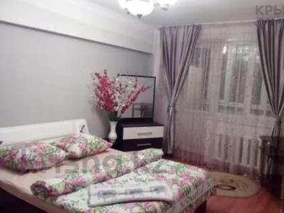 1-комнатная квартира, 45 м², 3/5 этаж посуточно, Райымбека 206/7 за 8 000 〒 в Алматы, Жетысуский р-н