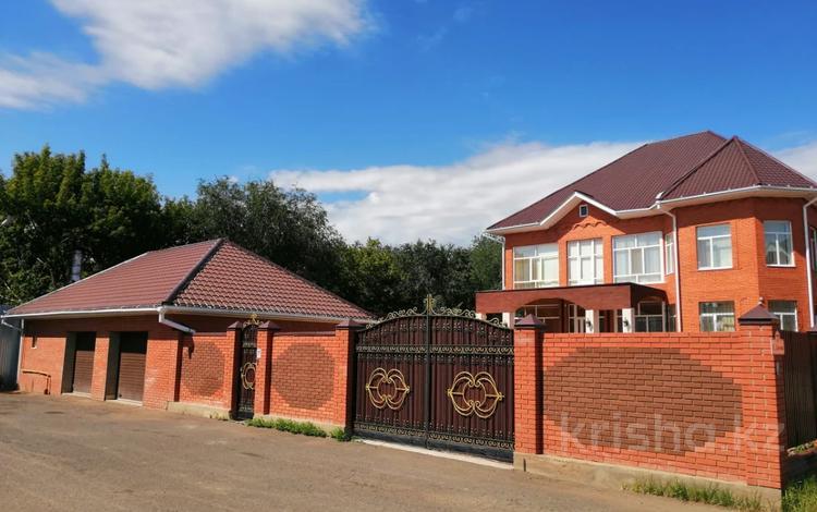 5-комнатный дом, 600 м², 12 сот., Даумова 69 за 130 млн 〒 в Уральске