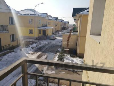 7-комнатный дом, 300 м², 4.5 сот., мкр Калкаман-2, Сабденова — Жунусова за 28 млн 〒 в Алматы, Наурызбайский р-н