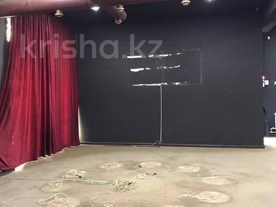 Здание, площадью 196 м², М. Карасу — Напротив 7 мкр за 33 млн 〒 в Таразе — фото 3