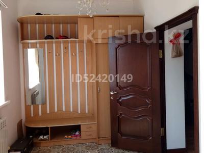 7-комнатный дом, 300 м², 4 сот., мкр 8, Почтовая 20 — Алабяна за ~ 71 млн 〒 в Актобе, мкр 8