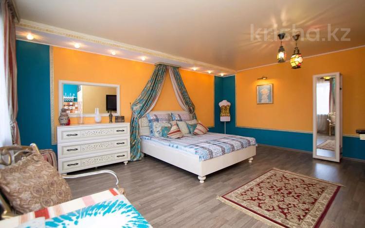 1-комнатная квартира, 32 м², 2/5 этаж посуточно, улица Ауэзова 150 за 13 000 〒 в Петропавловске