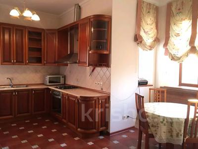 7-комнатный дом, 600 м², 12 сот., мкр Рахат, Шаймерденова за 225 млн 〒 в Алматы, Наурызбайский р-н