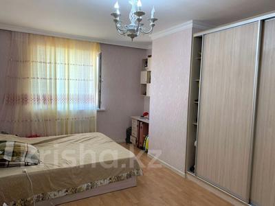 3-комнатная квартира, 100 м², 4/16 этаж помесячно, Орынбор 35 за 190 000 〒 в Нур-Султане (Астана), Есиль р-н — фото 4