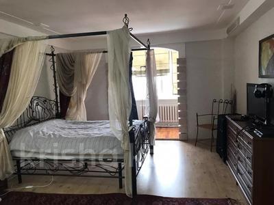 3-комнатная квартира, 131 м², 9/9 этаж помесячно, Студенческий 190б за 400 000 〒 в Атырау — фото 2