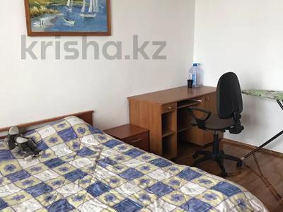 3-комнатная квартира, 131 м², 9/9 этаж помесячно, Студенческий 190б за 400 000 〒 в Атырау — фото 7