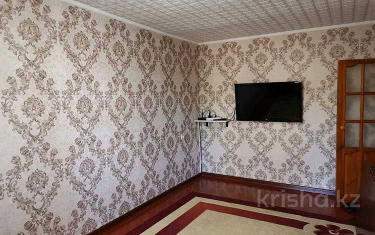 3-комнатная квартира, 50.6 м², 3/5 этаж, Толе Би 3 за 18 млн 〒 в Таразе