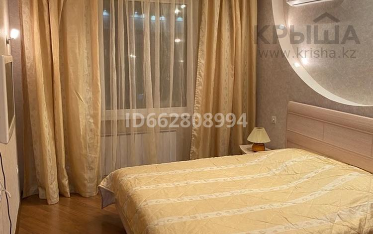 3-комнатная квартира, 100 м², 7/8 этаж помесячно, Сагынак 15 за 250 000 〒 в Нур-Султане (Астана), Есиль р-н