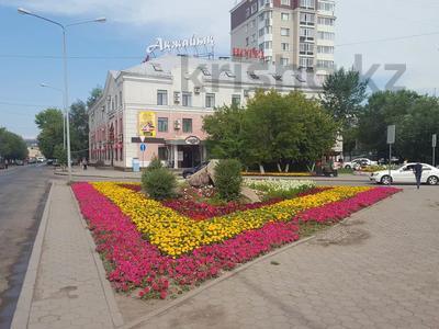 Здание, площадью 3200 м², Илияса Есенберлина 7 — Женис за 950 млн 〒 в Нур-Султане (Астана), Сарыарка р-н