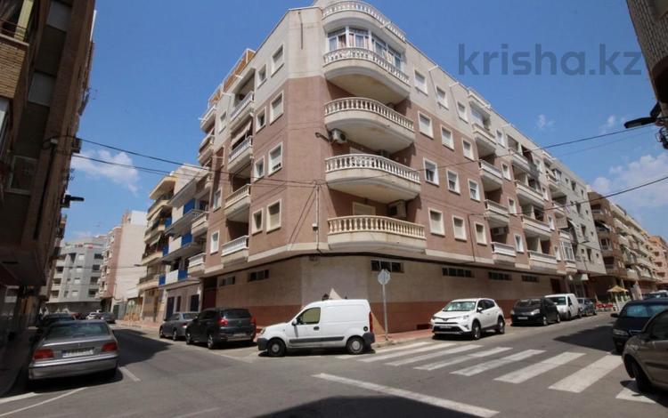 2-комнатная квартира, 58 м², Calle Ramon Gallud 220 — Calle bergantin за 37 млн 〒 в Торревьеха