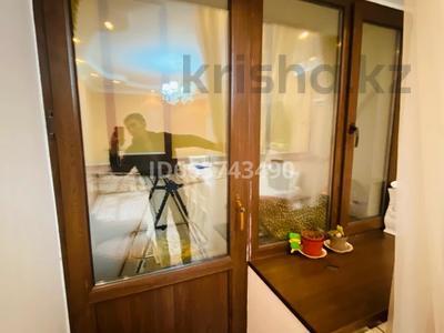 2-комнатная квартира, 50 м², 5/5 этаж, Есім хан 6 за 12.9 млн 〒 в