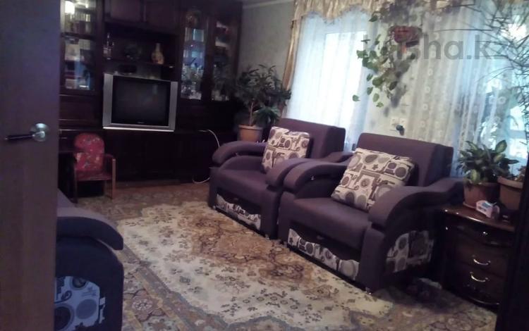 2-комнатный дом, 56 м², 9 сот., Бабкина за 7 млн 〒 в Усть-Каменогорске