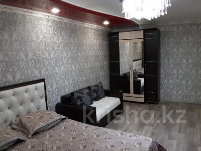 1-комнатная квартира, 35 м², 3/5 этаж посуточно, Лермонтова 91 за 8 000 〒 в Павлодаре — фото 3