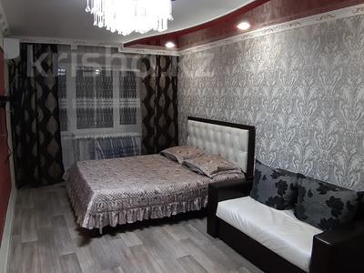 1-комнатная квартира, 35 м², 3/5 этаж посуточно, Лермонтова 91 за 8 000 〒 в Павлодаре — фото 2