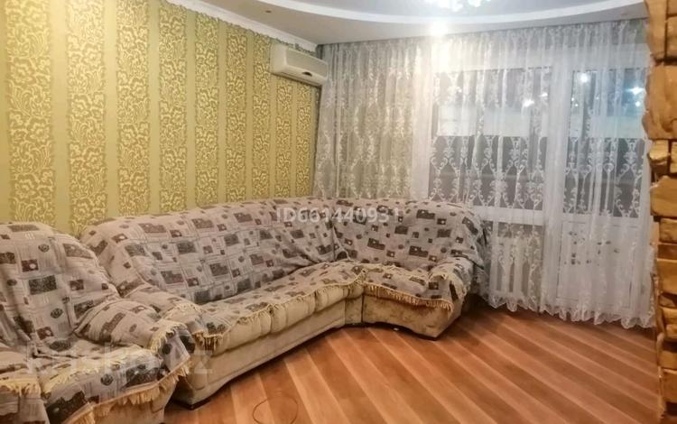3-комнатная квартира, 64 м², 3/9 этаж, улица Ауэзова 49/7 за 14 млн 〒 в Экибастузе