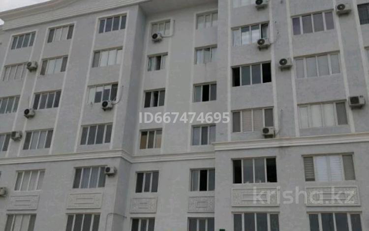 2-комнатная квартира, 68 м², 1/6 этаж, 34-й мкр 11 за 17 млн 〒 в Актау, 34-й мкр