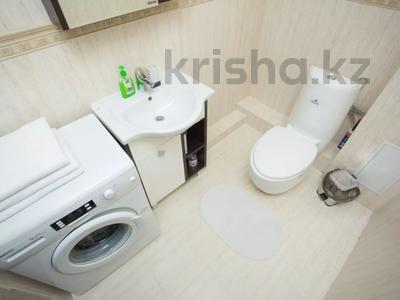 2-комнатная квартира, 90 м², 3 этаж посуточно, Достык 12/1 за 11 990 〒 в Нур-Султане (Астана), Есиль р-н — фото 6